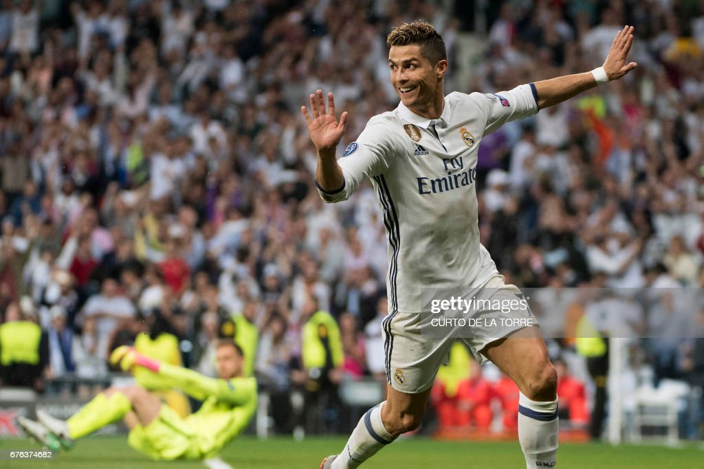 TOPSHOT-FBL-EUR-C1-REALMADRID-ATLETICO : News Photo