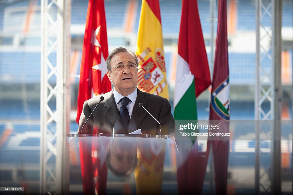 Real Madrid's President <a gi-track='captionPersonalityLinkClicked' href=/galleries/search?phrase=Florentino+Perez&family=editorial&specificpeople=567584 ng-click='$event.stopPropagation()'>Florentino Perez</a> presents Real Madrid Resort Island at Estadio Santiago Bernabeu on March 22, 2012 in Madrid, Spain.