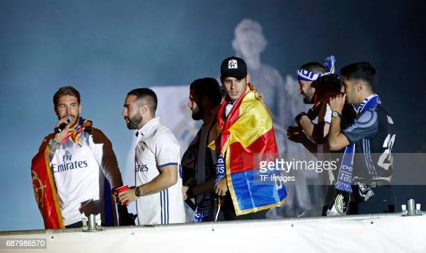 Real Madrid´s Sergio Ramos Nacho Fernández Dani Carvajal Álvaro Morata and Marco Asensio arrive at the city hall of Madrid to offer the league cup to...