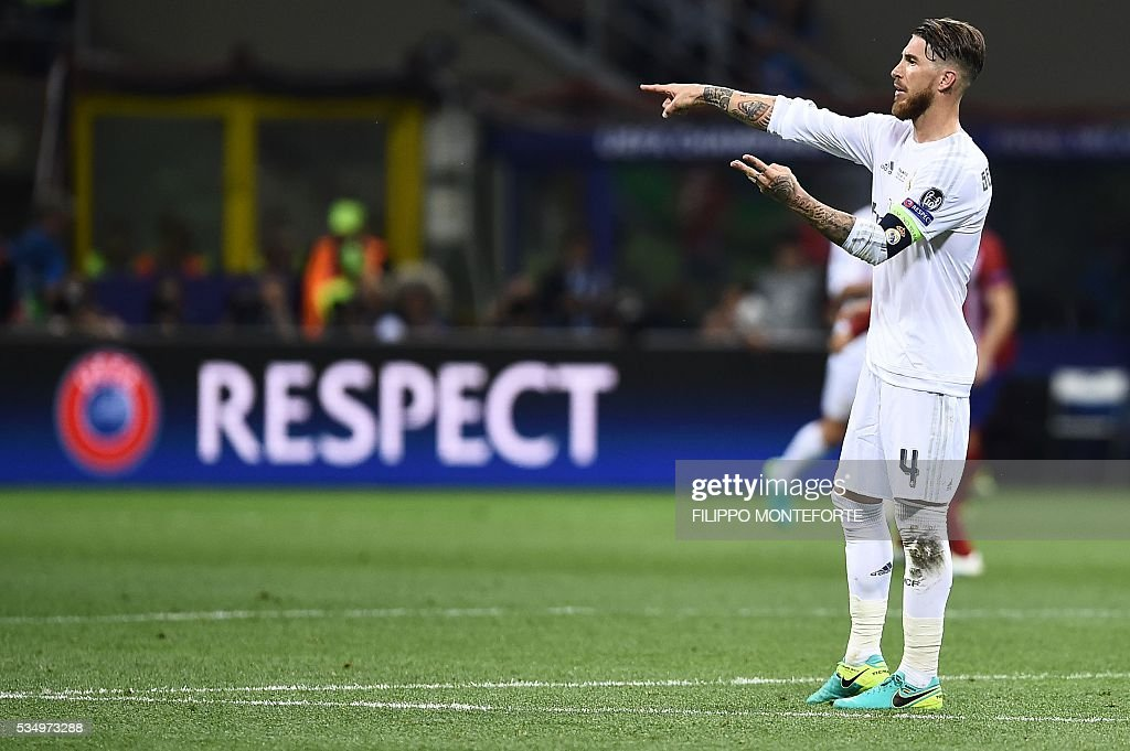 Real Madrid's Spanish defender Sergio Ramos gestures during the UEFA Champions League final football match between Real Madrid and Atletico Madrid at San Siro Stadium in Milan, on May 28, 2016. / AFP / FILIPPO