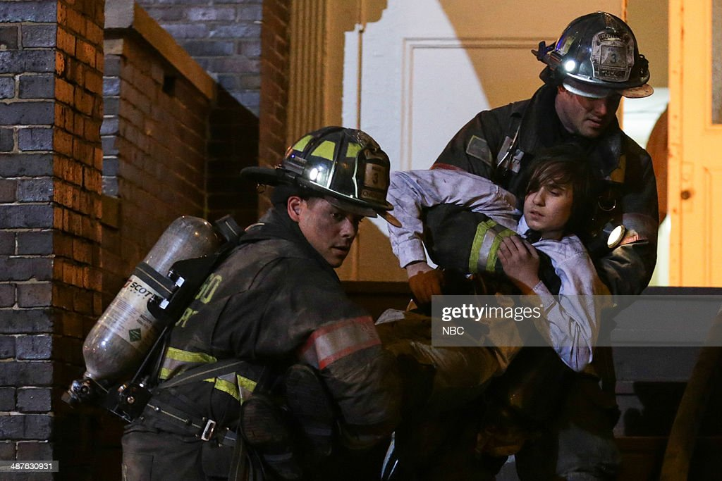 FIRE -- 'Real Never Waits' Episode 222 -- Pictured: (l-r) Charlie Barnett as Peter Mills, <a gi-track='captionPersonalityLinkClicked' href=/galleries/search?phrase=Taylor+Kinney&family=editorial&specificpeople=747018 ng-click='$event.stopPropagation()'>Taylor Kinney</a> as Kelly Severide --