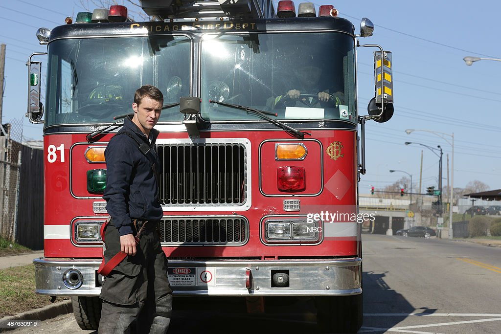 FIRE -- 'Real Never Waits' Episode 222 -- Pictured: <a gi-track='captionPersonalityLinkClicked' href=/galleries/search?phrase=Jesse+Spencer&family=editorial&specificpeople=630230 ng-click='$event.stopPropagation()'>Jesse Spencer</a> as Matthew Casey --