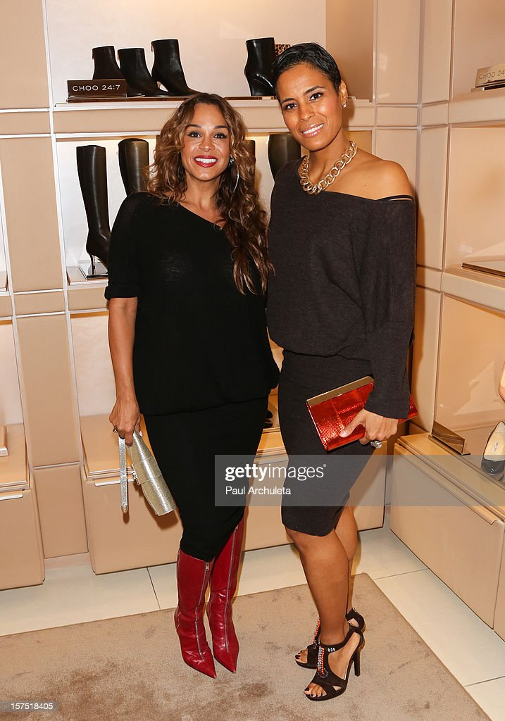Reality TV Persoanlities Sheree Fletcher (L) and Daphne Wayans (R) attend the Perfect World at Jimmy Choo on December 3, 2012 in Beverly Hills, California.