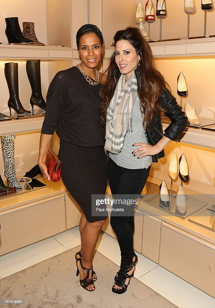 Reality TV Personality Daphne Wayans (L) and <a gi-track='captionPersonalityLinkClicked' href=/galleries/search?phrase=Kerri+Kasem&family=editorial&specificpeople=2163131 ng-click='$event.stopPropagation()'>Kerri Kasem</a> (R) attend the Perfect World at Jimmy Choo on December 3, 2012 in Beverly Hills, California.