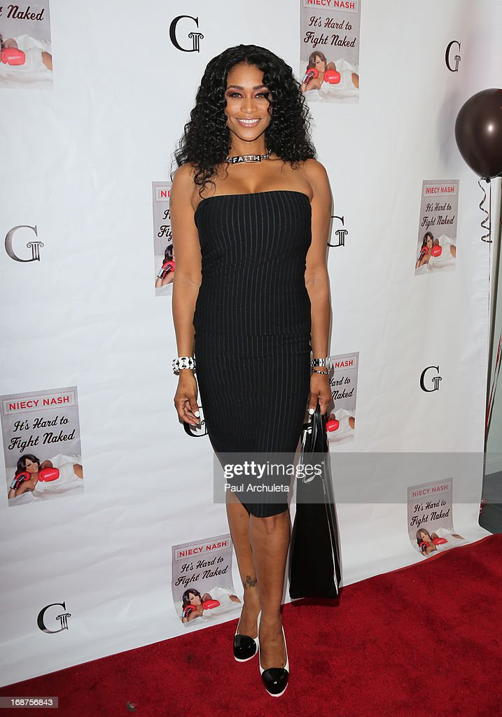 Reality TV Personality <a gi-track='captionPersonalityLinkClicked' href=/galleries/search?phrase=Tami+Roman&family=editorial&specificpeople=7202042 ng-click='$event.stopPropagation()'>Tami Roman</a> attends the release party for Niecy Nash new book 'It's Hard To Fight Naked' at the Luxe Rodeo Drive Hotel on May 14, 2013 in Beverly Hills, California.