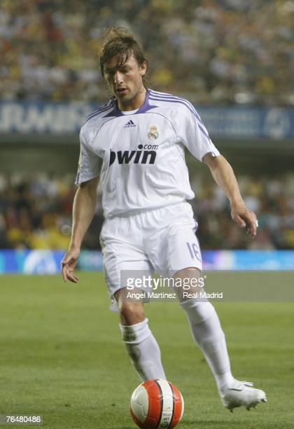 Real's Gabriel Heinze in action during a La Liga match between Villarreal and Real Madrid at the Madrigal stadium on September 2 2007 in Villarreal...