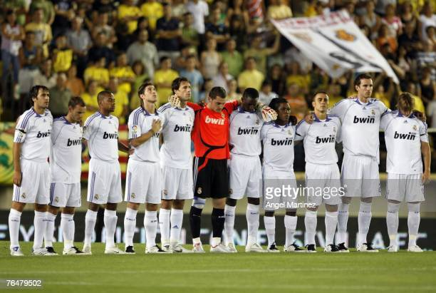 Real's players observe a minute of silent in honor of late Sevilla player Antonio Puerta prior the begining a La Liga match between Villarreal and...