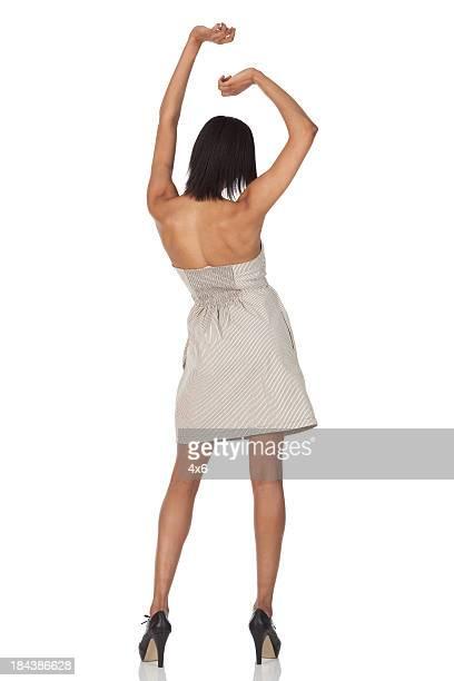 Vista posteriore di una donna Danza