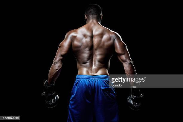 Vue arrière du système musculaire mâle noir