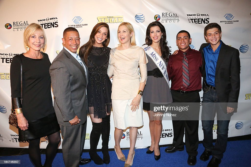 Rebecca Malek, Frank Sanchez Jr., Madison Kaplan, <a gi-track='captionPersonalityLinkClicked' href=/galleries/search?phrase=Kelly+Rutherford&family=editorial&specificpeople=217987 ng-click='$event.stopPropagation()'>Kelly Rutherford</a>, Miss New York Amanda Mason, Roman Maldonado and Jacob M Williams attend 'The Stream' Premiere at Regal Union Square Theatre, Stadium 14 on October 15, 2013 in New York City.