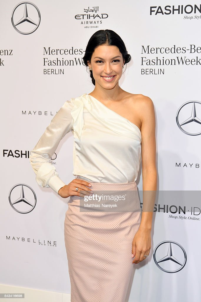 <a gi-track='captionPersonalityLinkClicked' href=/galleries/search?phrase=Rebecca+Mir&family=editorial&specificpeople=7831846 ng-click='$event.stopPropagation()'>Rebecca Mir</a> attends the Riani show during the Mercedes-Benz Fashion Week Berlin Spring/Summer 2017 at Erika Hess Eisstadion on June 28, 2016 in Berlin, Germany.