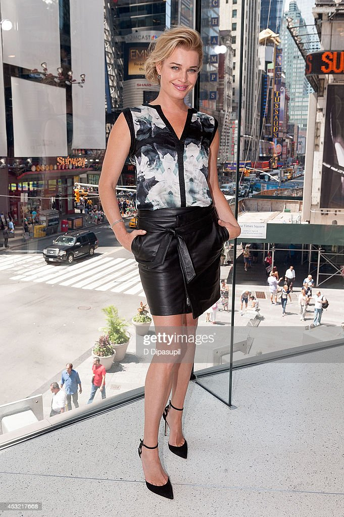 Rebecca Romijn visits 'Extra' at their New York studios at HM in Times Square on August 5 2014 in New York City