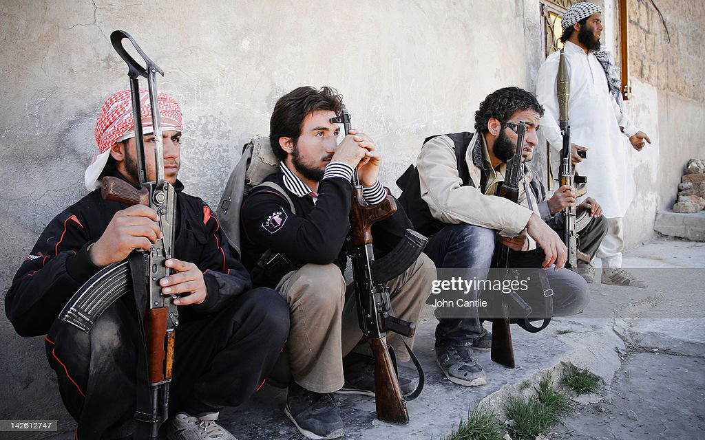 Rebels of the Free Syrian Army prepare to counter-attack government tanks that have driven into Saraquib city on April 9, 2012 in Syria. Conitnuing violence in northern Syria between government forces and rebels is putting plans for a UN-brokered Syria ceasefire on Tuesday in jeopardy.