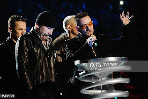 U2 receive the award for Best Live Act during the 2009 MTV Europe Music Awards held at the O2 Arena on November 5 2009 in Berlin Germany