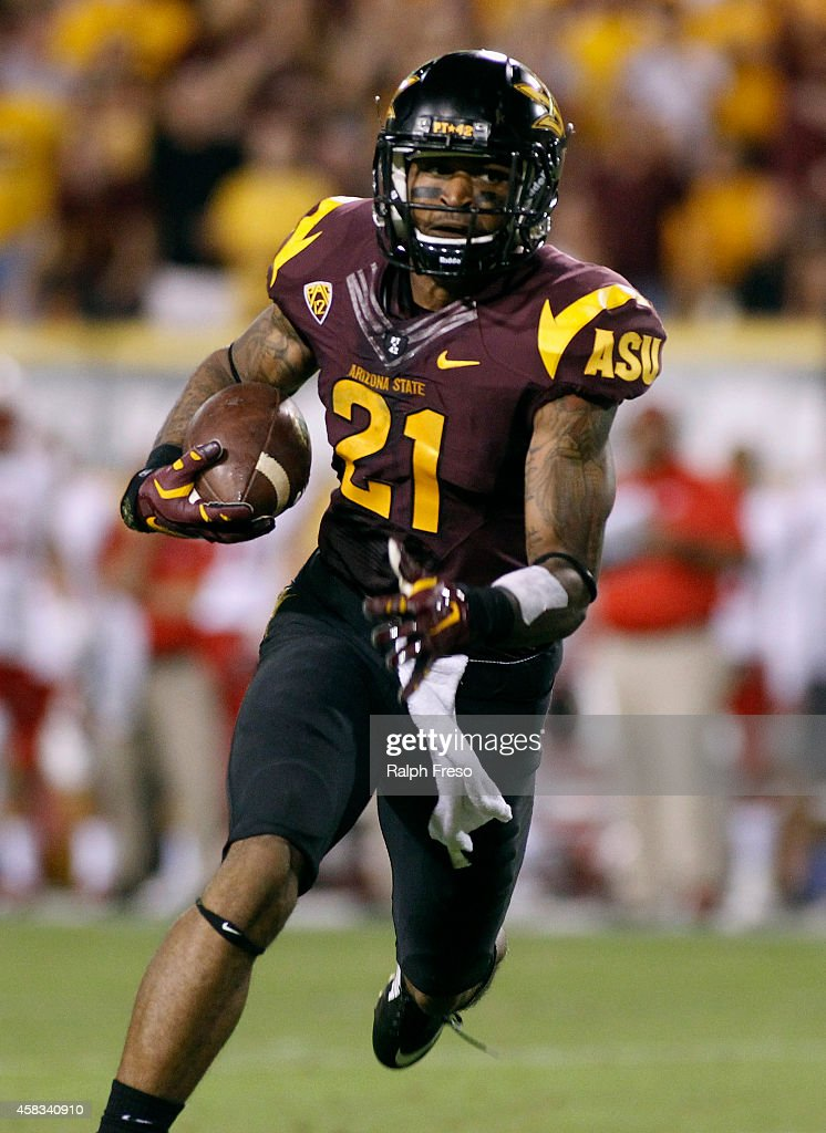 Receiver <a gi-track='captionPersonalityLinkClicked' href=/galleries/search?phrase=Jaelen+Strong&family=editorial&specificpeople=11339116 ng-click='$event.stopPropagation()'>Jaelen Strong</a> #21 of the Arizona State Sun Devils runs with the ball after a first down catch against the Utah Utes during the second quarter of a college football game at Sun Devil Stadium on November 1, 2014 in Tempe, Arizona.
