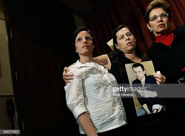 Recentlyreleased hiker Sarah Shourd stands with the mothers of two stillimprisoned hikers Cindy Hickey and Laura Fattal after a press conference...