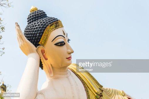 Encostado imagem de Buda : Foto de stock