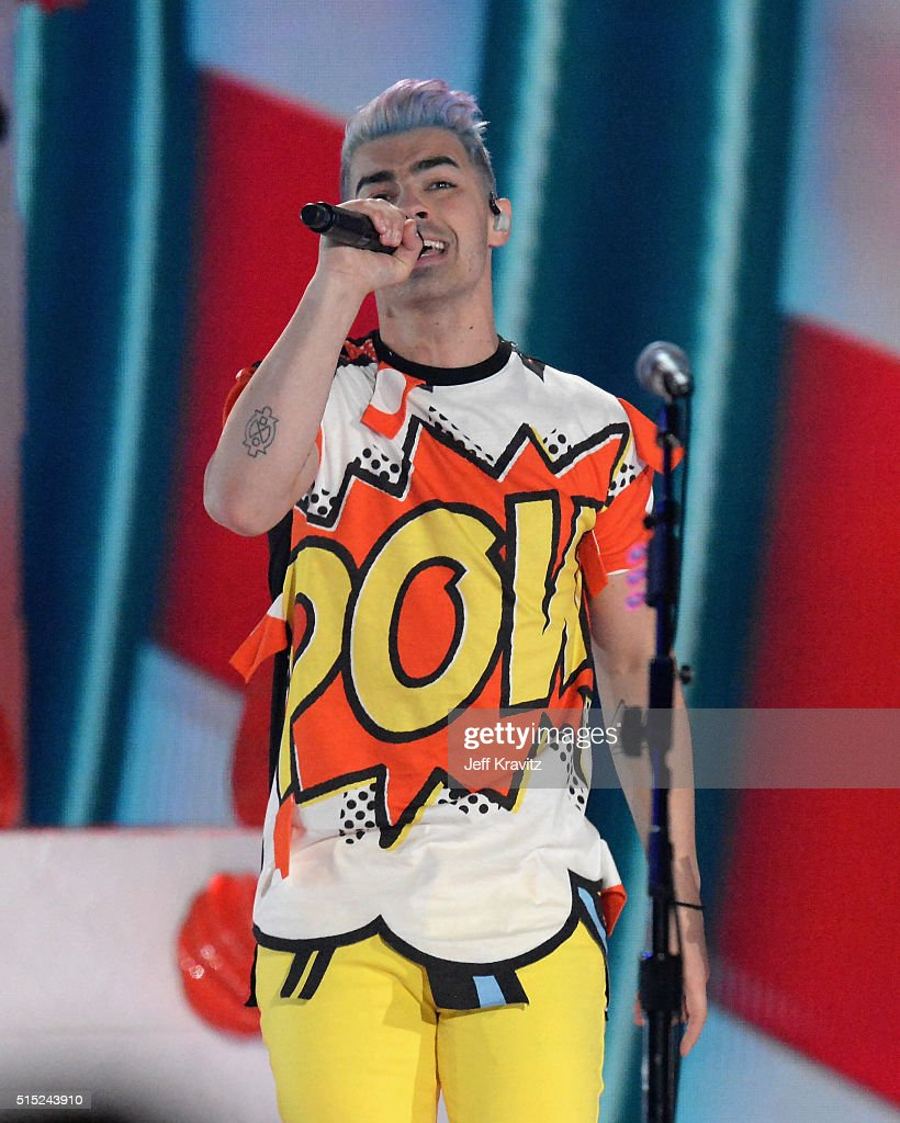 Recoding artist Joe Jonas of 'DNCE' performs onstage during Nickelodeon's 2016 Kids' Choice Awards at The Forum on March 12, 2016 in Inglewood, California.