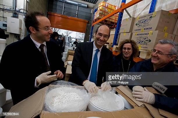 Record Seizure Of Amphetamines At Roissy Samedi 2 février 2008 Eric WOERTH ministre du Budget s'est rendu à Roissy pour féliciter la brigade des...