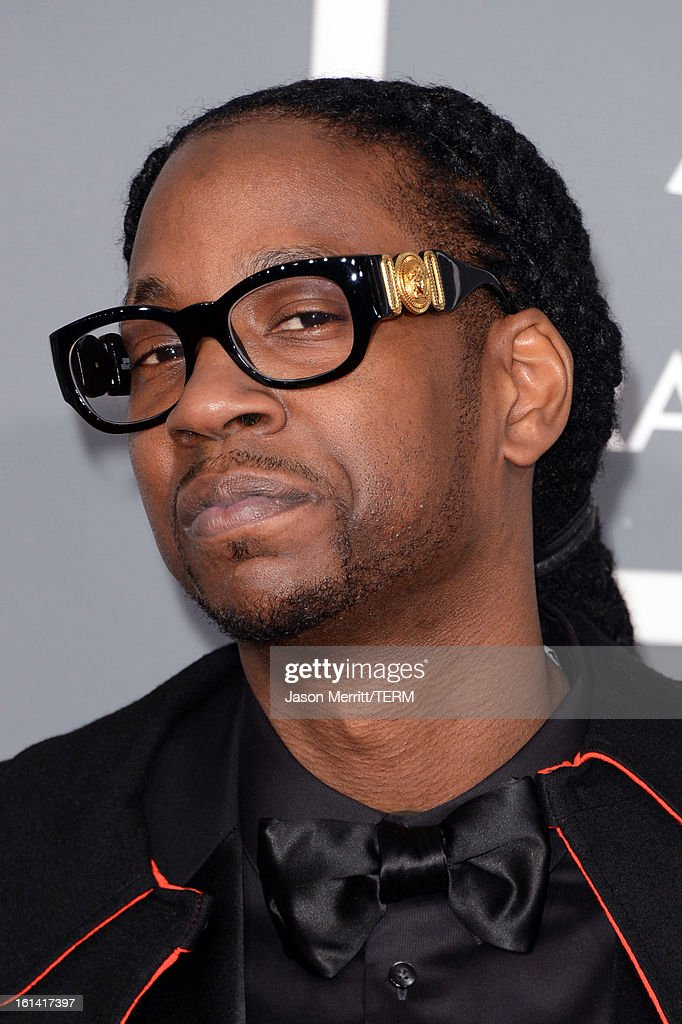 Recording artist <a gi-track='captionPersonalityLinkClicked' href=/galleries/search?phrase=2+Chainz&family=editorial&specificpeople=8559144 ng-click='$event.stopPropagation()'>2 Chainz</a> arrives at the 55th Annual GRAMMY Awards at Staples Center on February 10, 2013 in Los Angeles, California.