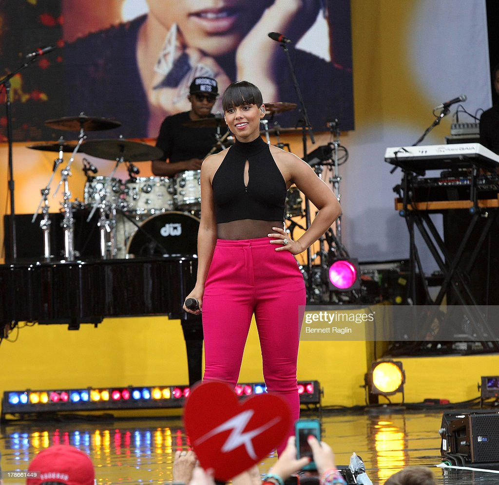 Recording artist Alicia Keys performs on ABC's 'Good Morning America' at Rumsey Playfield on August 30, 2013 in New York City.