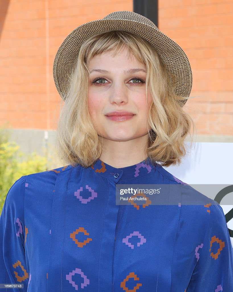 Recording Artist <a gi-track='captionPersonalityLinkClicked' href=/galleries/search?phrase=Alison+Sudol&family=editorial&specificpeople=4148546 ng-click='$event.stopPropagation()'>Alison Sudol</a> visits Helen Bernstein High School for the Environmental Media Association at Helen Bernstein High School on May 30, 2013 in Hollywood, California.