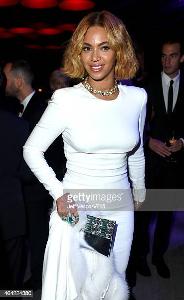 Recording artist Beyonce attends the 2015 Vanity Fair Oscar Party hosted by Graydon Carter at the Wallis Annenberg Center for the Performing Arts on...