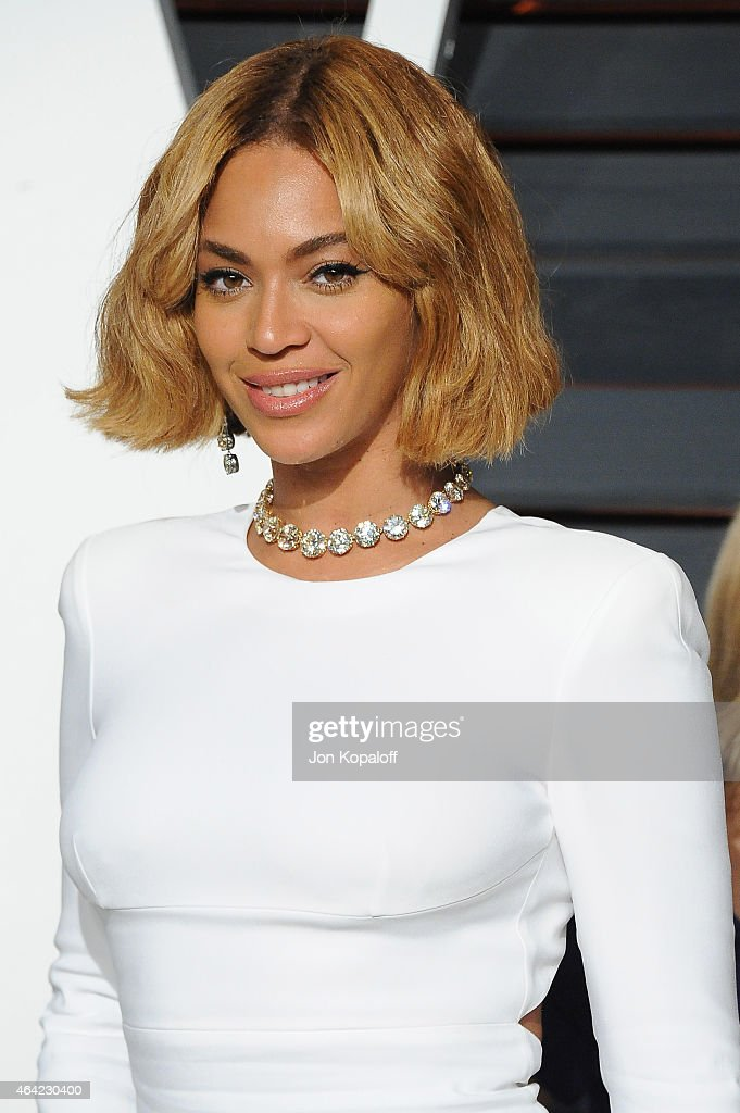 Recording artist Beyonce attends the 2015 Vanity Fair Oscar Party hosted by Graydon Carter at Wallis Annenberg Center for the Performing Arts on February 22, 2015 in Beverly Hills, California.