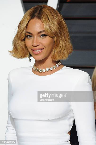 Recording artist Beyonce attends the 2015 Vanity Fair Oscar Party hosted by Graydon Carter at Wallis Annenberg Center for the Performing Arts on...