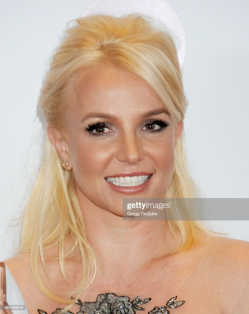 Recording artist <a gi-track='captionPersonalityLinkClicked' href=/galleries/search?phrase=Britney+Spears&family=editorial&specificpeople=156415 ng-click='$event.stopPropagation()'>Britney Spears</a> poses in the press room at the 40th Annual People's Choice Awards at Nokia Theatre LA Live on January 8, 2014 in Los Angeles, California.