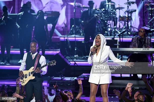 Recording artist Captain Kirk Douglas of music group The Roots recording artist Jennifer Hudson and recording artist Stevie Wonder perform onstage...