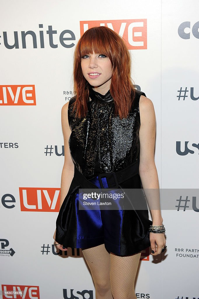 Recording artist Carly Rae Jepsen arrives at 'UniteLIVE: The Concert to Rock Out Bullying' at the Thomas & Mack Center on October 3, 2013 in Las Vegas, Nevada.
