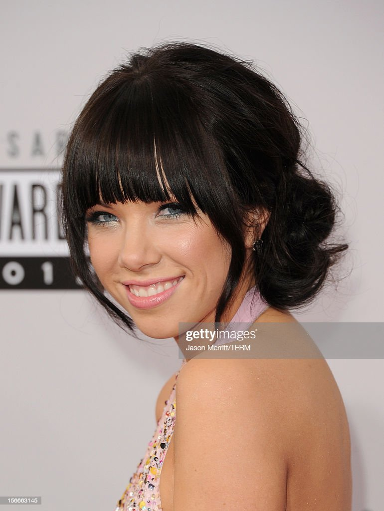 Recording artist Carly Rae Jepsen attends the 40th American Music Awards held at Nokia Theatre L.A. Live on November 18, 2012 in Los Angeles, California.