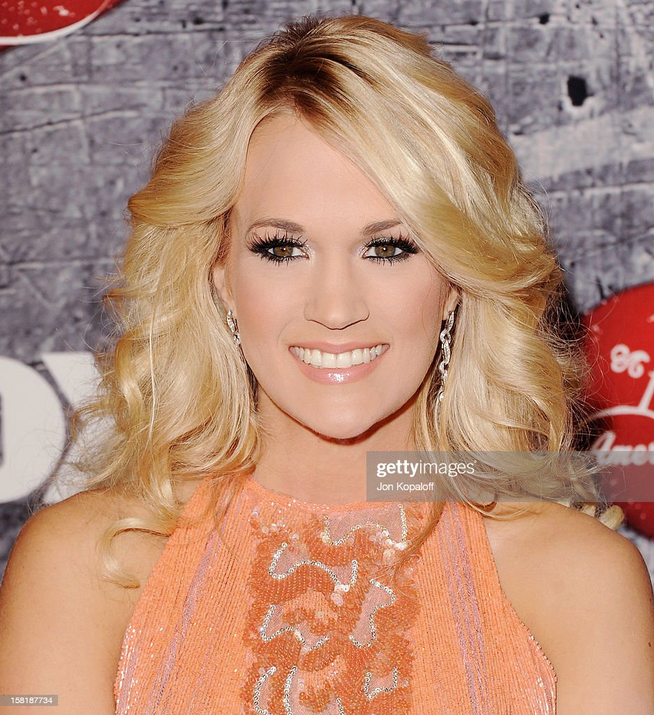 Recording artist Carrie Underwood arrives at the 2012 American Country Awards at Mandalay Bay on December 10, 2012 in Las Vegas, Nevada.