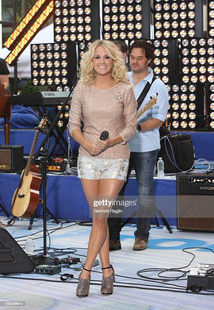 Recording artist Carrie Underwood performs on NBC's 'Today' at Rockefeller Plaza on August 15 2012 in New York City