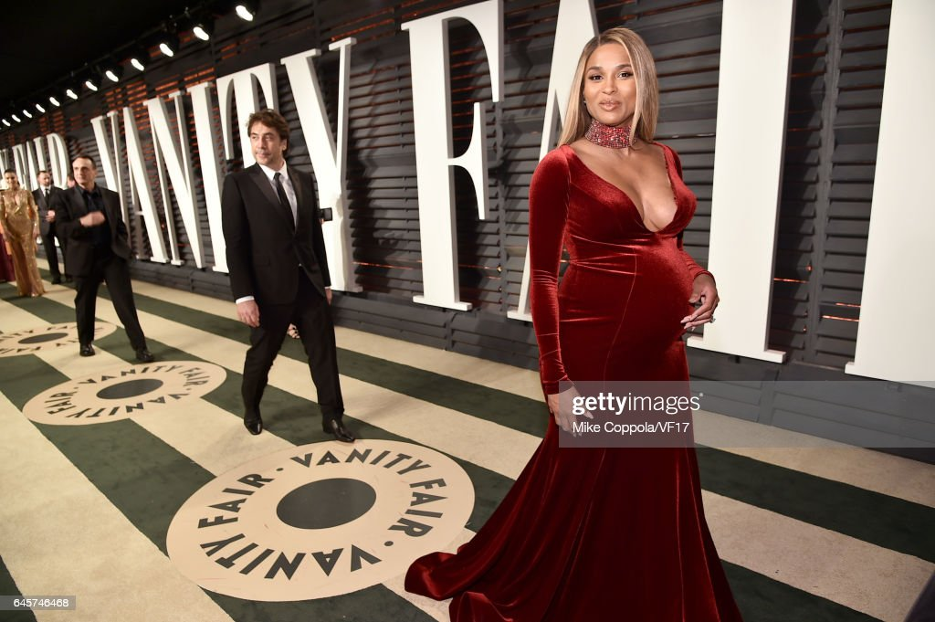 Recording artist Ciara attends the 2017 Vanity Fair Oscar Party hosted by Graydon Carter at Wallis Annenberg Center for the Performing Arts on February 26, 2017 in Beverly Hills, California.