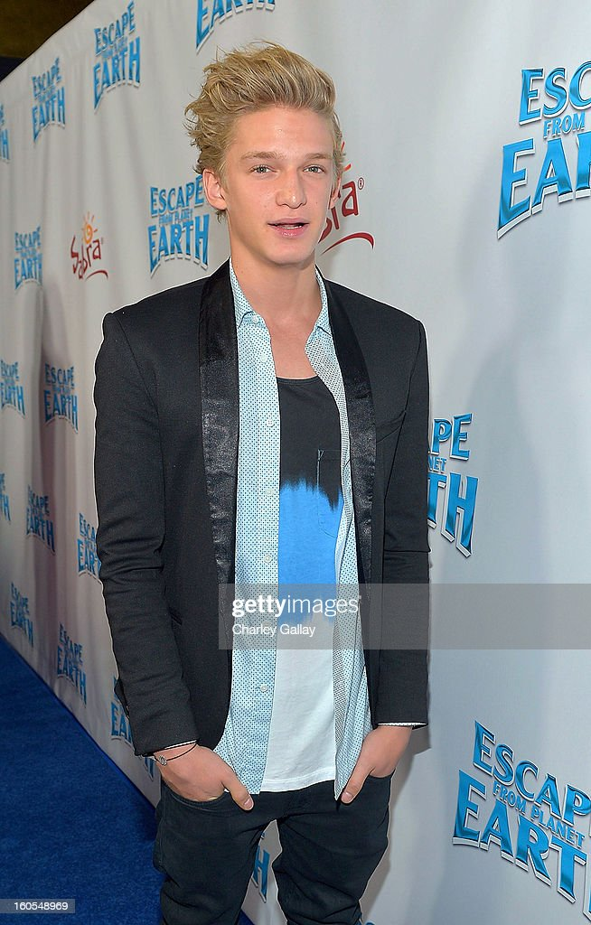 Recording artist Cody Simpson attends 'Escape From Planet Earth' premiere presented by The Weinstein Company in partnership with Sabra at Mann Chinese 6 on February 2, 2013 in Los Angeles, California.