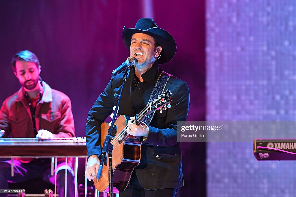 Recording artist Craig Campbell performs onstage at 69th Annual Macy's Great Tree Lighting at Lenox Square on November 20, 2016 in Atlanta, Georgia.