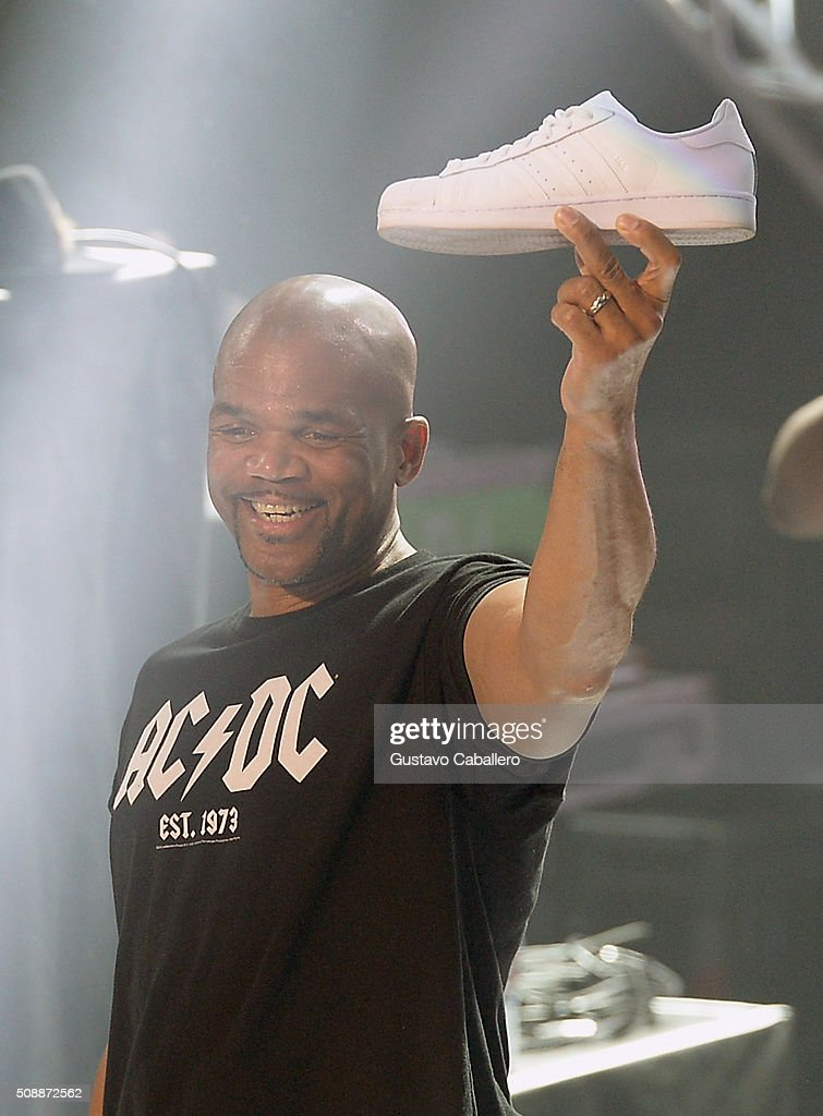 Recording artist <a gi-track='captionPersonalityLinkClicked' href=/galleries/search?phrase=Darryl+McDaniels&family=editorial&specificpeople=175934 ng-click='$event.stopPropagation()'>Darryl McDaniels</a> of Run–D.M.C. performs onstage during DirecTV Super Saturday Night co-hosted by Mark Cuban's AXS TV at Pier 70 on February 6, 2016 in San Francisco, California.