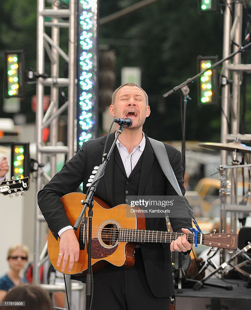 Recording artist <a gi-track='captionPersonalityLinkClicked' href=/galleries/search?phrase=David+Gray&family=editorial&specificpeople=224673 ng-click='$event.stopPropagation()'>David Gray</a> performs at the CBS Early Show Studio Plaza on June 27, 2011 in New York City.