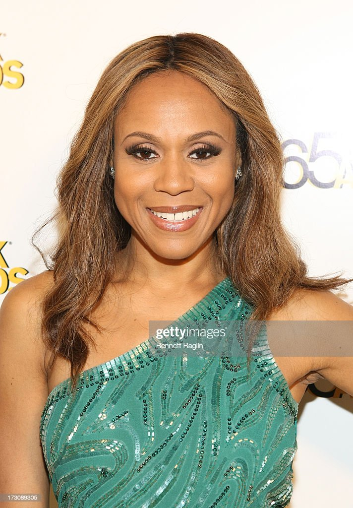 Recording artist <a gi-track='captionPersonalityLinkClicked' href=/galleries/search?phrase=Deborah+Cox&family=editorial&specificpeople=213023 ng-click='$event.stopPropagation()'>Deborah Cox</a> attends the 2013 365 Black Awards at the Ernest N. Morial Convention Center on July 6, 2013 in New Orleans, Louisiana.