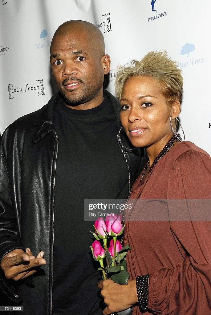 Recording artist DMC (L) and his wife Zuri McDaniels attend the Lulu Frost Green Party at Tenjune on November 07, 2006 in New York City.
