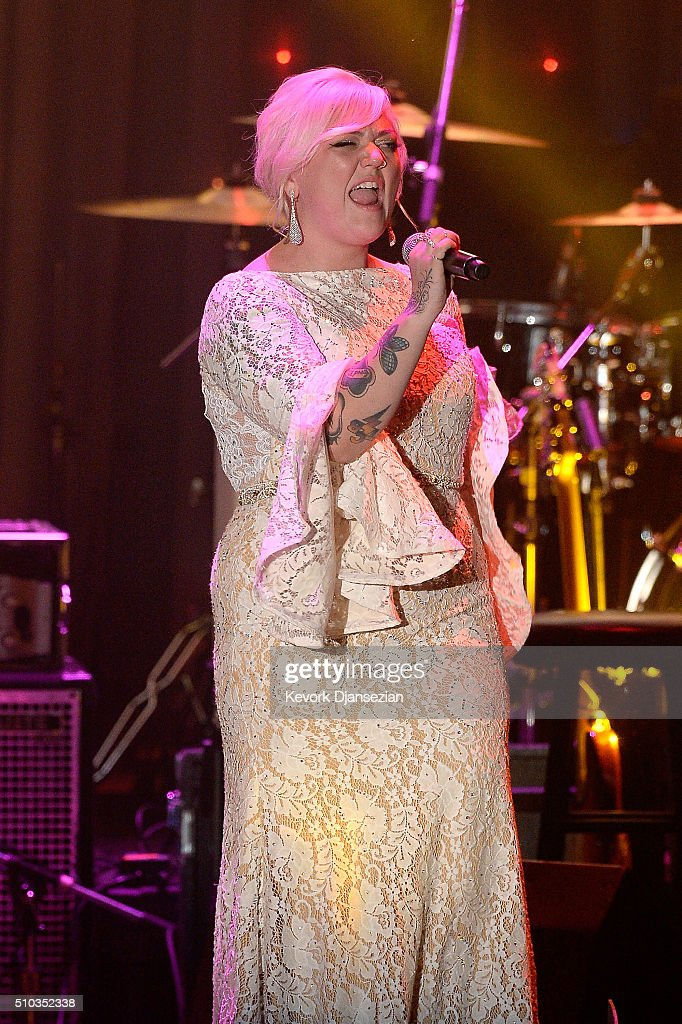 Recording artist Elle King performs onstage during the 2016 Pre-GRAMMY Gala and Salute to Industry Icons honoring Irving Azoff at The Beverly Hilton Hotel on February 14, 2016 in Beverly Hills, California.