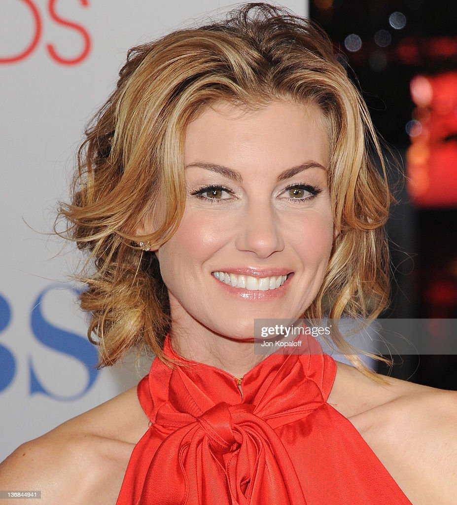 Recording artist Faith Hill arrives at the 2012 People's Choice Awards at Nokia Theatre L.A. Live on January 11, 2012 in Los Angeles, California.