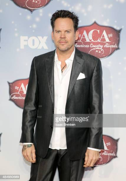 Recording artist Gary Allan arrives at the American Country Awards 2013 at the Mandalay Bay Events Center on December 10 2013 in Las Vegas Nevada