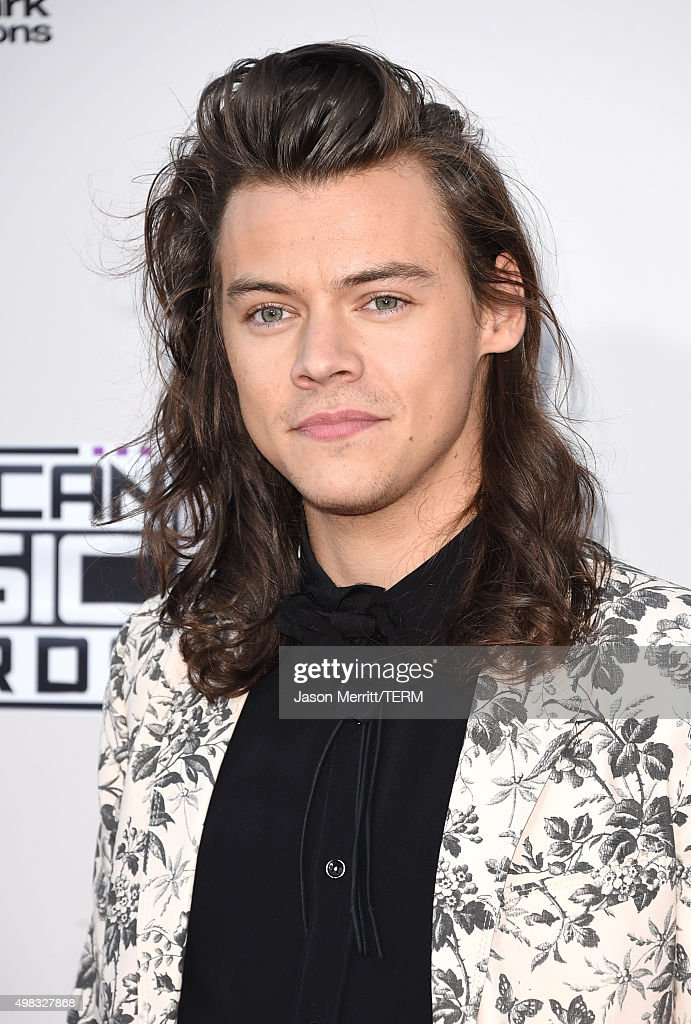 Recording artist <a gi-track='captionPersonalityLinkClicked' href=/galleries/search?phrase=Harry+Styles&family=editorial&specificpeople=7229830 ng-click='$event.stopPropagation()'>Harry Styles</a> of One Direction attends the 2015 American Music Awards at Microsoft Theater on November 22, 2015 in Los Angeles, California.