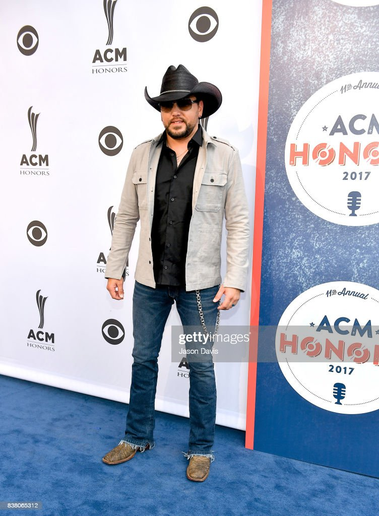 Recording Artist Jason Aldean arrives at the 11th Annual ACM Honors at Ryman Auditorium on August 23, 2017 in Nashville, Tennessee.