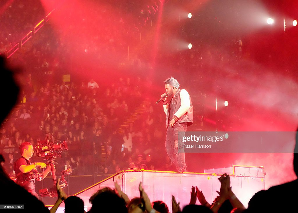Recording artist Jason Derulo performs onstage at the iHeartRadio Music Awards which broadcasted live on TBS, TNT, AND TRUTV from The Forum on April 3, 2016 in Inglewood, California.