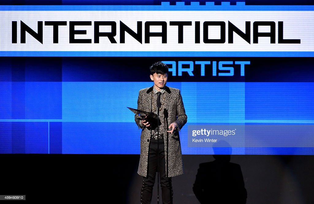 Recording artist Jason Zhang Jie accepts the International Artist award onstage at the 2014 American Music Awards at Nokia Theatre L.A. Live on November 23, 2014 in Los Angeles, California.