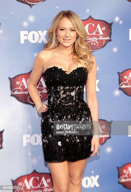 Recording artist Jewel arrives at the American Country Awards 2013 at the Mandalay Bay Events Center on December 10 2013 in Las Vegas Nevada